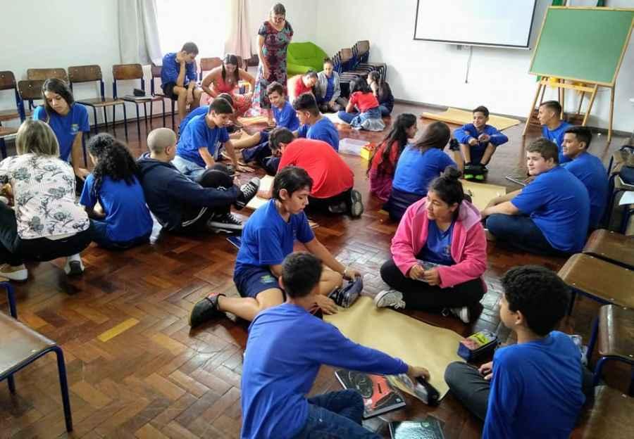 Projeto Liderança Ativa Nas Escolas é Realizado Nas Escolas