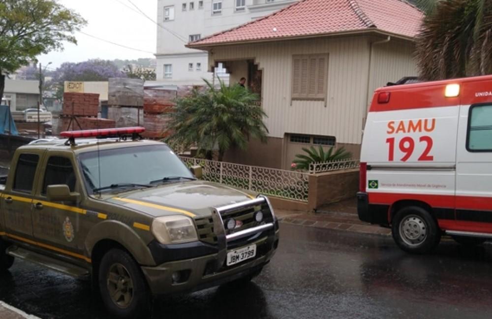 Homem encontrado morto no centro de Garibaldi | Rádio Studio 87.7 FM - Rádio Studio 87.7 FM
