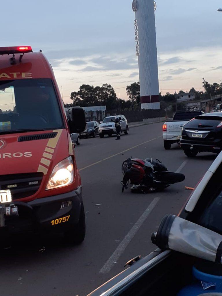 Adolescente foragido é apreendido após bater carro em moto em Passo Fundo | Rádio Studio 87.7 FM - Rádio Studio 87.7 FM
