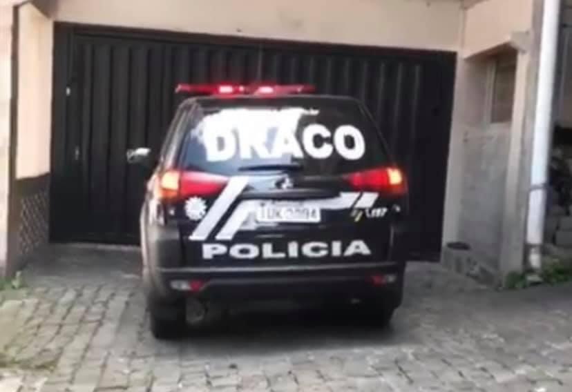 DRACO prende homem em residência que era usada para vender drogas em Caxias do Sul | Rádio Studio 87.7 FM | Studio TV