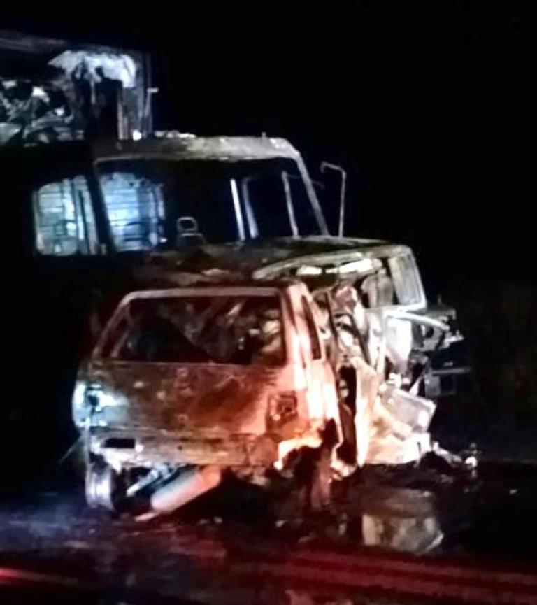 Colisão envolvendo carreta e carro causa a morte de uma pessoa na BR 287, em Santiago   Rádio Studio 87.7 FM